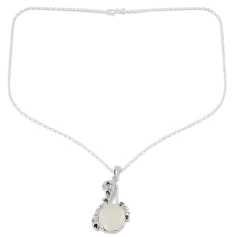 Handmade Sterling Silver 'Enchanted Moon' Moonstone Emerald Necklace (India)