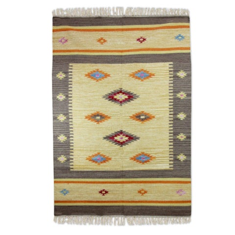 Handmade Wool 'Festive Stars' Dhurrie Rug (India) - 4' x 6'
