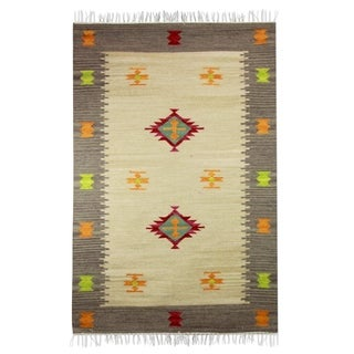 Handmade Wool 'Neon Magic' Rug 4x6 (India)