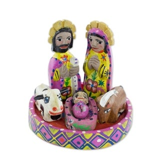 Handmade Set of 7 Pine Wood 'Petite Creche' Nativity Scene (Guatemala)
