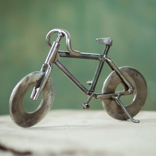 Handcrafted Recycled Metal 'Eco-bicycle' Sculpture (Peru)