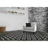 LYKE Home Audrey Black Area Rug - 5'3 x 7'3