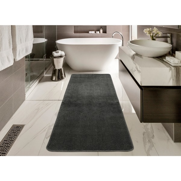 Ottomanson Softy Collection Grey Solid Machine-washable Non-slip Bathroom Mat Rug