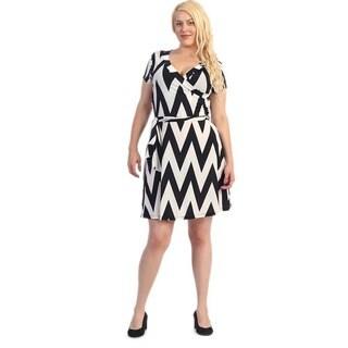 Women's Plus Size White/ Black Chevron Flare Dress