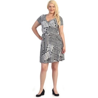 Women's Plus Size White/ Black Abstract Flare Dress