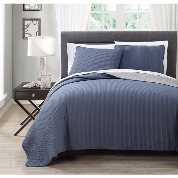 Benton Solid Reversable 3-piece Coverlet Set