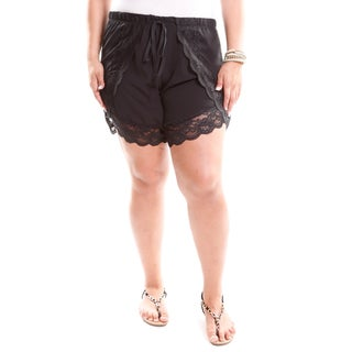 Hadari Women's Contemporary Plus Size Lace Detail Shorts