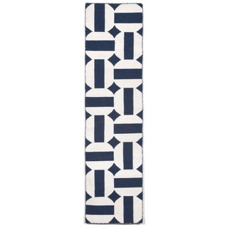 Stripe In Circle Outdoor Rug (2' x 8')