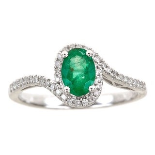 Anika and August 14k White Gold 1/6ct TDW Diamond and Oval-cut Columbian Emerald Ring (G-H, I1-I2)
