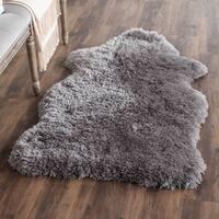 Safavieh Handmade Arctic Shag Grey Hide Shaped Polyester Rug - 3' x 5'