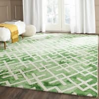 Safavieh Handmade Dip Dye Watercolor Vintage Green/ Ivory Wool Rug - 7' Square