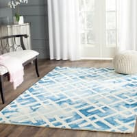 Safavieh Handmade Dip Dye Watercolor Vintage Blue/ Ivory Wool Rug (7' Square)