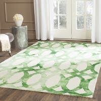 Safavieh Handmade Dip Dye Watercolor Vintage Ivory/ Green Wool Rug - 7' Square
