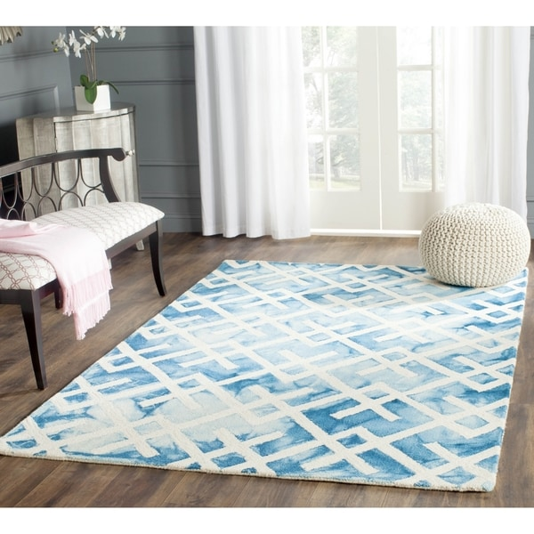 Safavieh Handmade Dip Dye Watercolor Vintage Blue/ Ivory Wool Rug - 5' Square