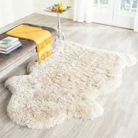 Safavieh Handmade Arctic Shag Beige Polyester Hide Shaped Rug - 4' x 6'