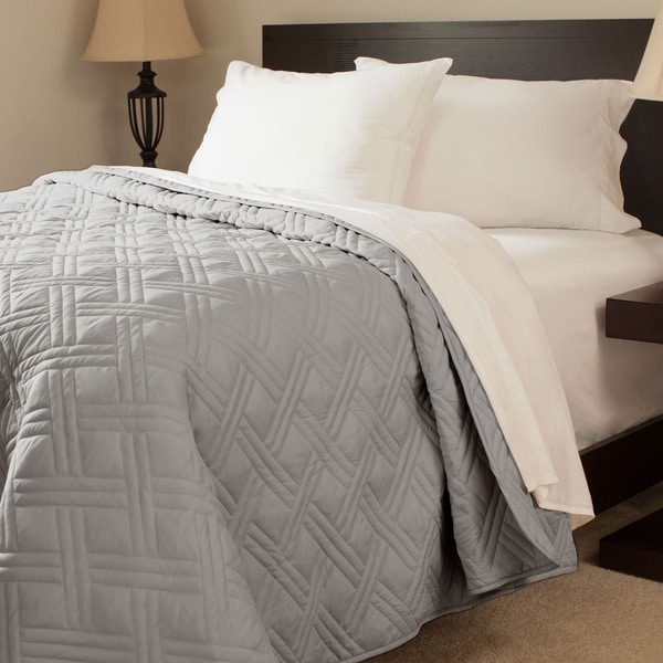 Shop Windsor Home Solid Color Quilted Blanket Free Shipping On - Quilted-blankets-for-the-bed