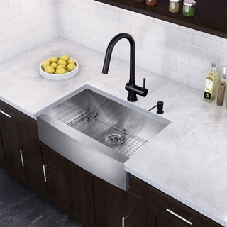 VIGO 33-inch Farmhouse Stainless Steel 16 Gauge Single Bowl Kitchen Sink and Matte Black Pull-Down Kitchen Faucet