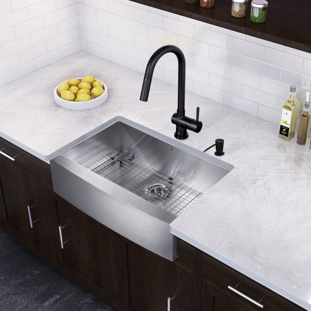 Vigo All In One 33 Inch Stainless Steel Farmhouse Kitchen Sink And Gramercy Matte Black Faucet Set