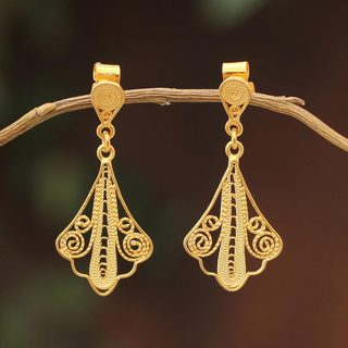 Handcrafted Gold Overlay 'Spanish Lace' Earrings (Peru)