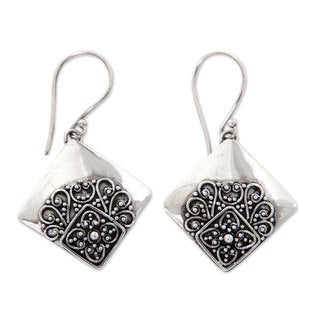 Handcrafted Sterling Silver 'Besakih Garden' Earrings (Indonesia)