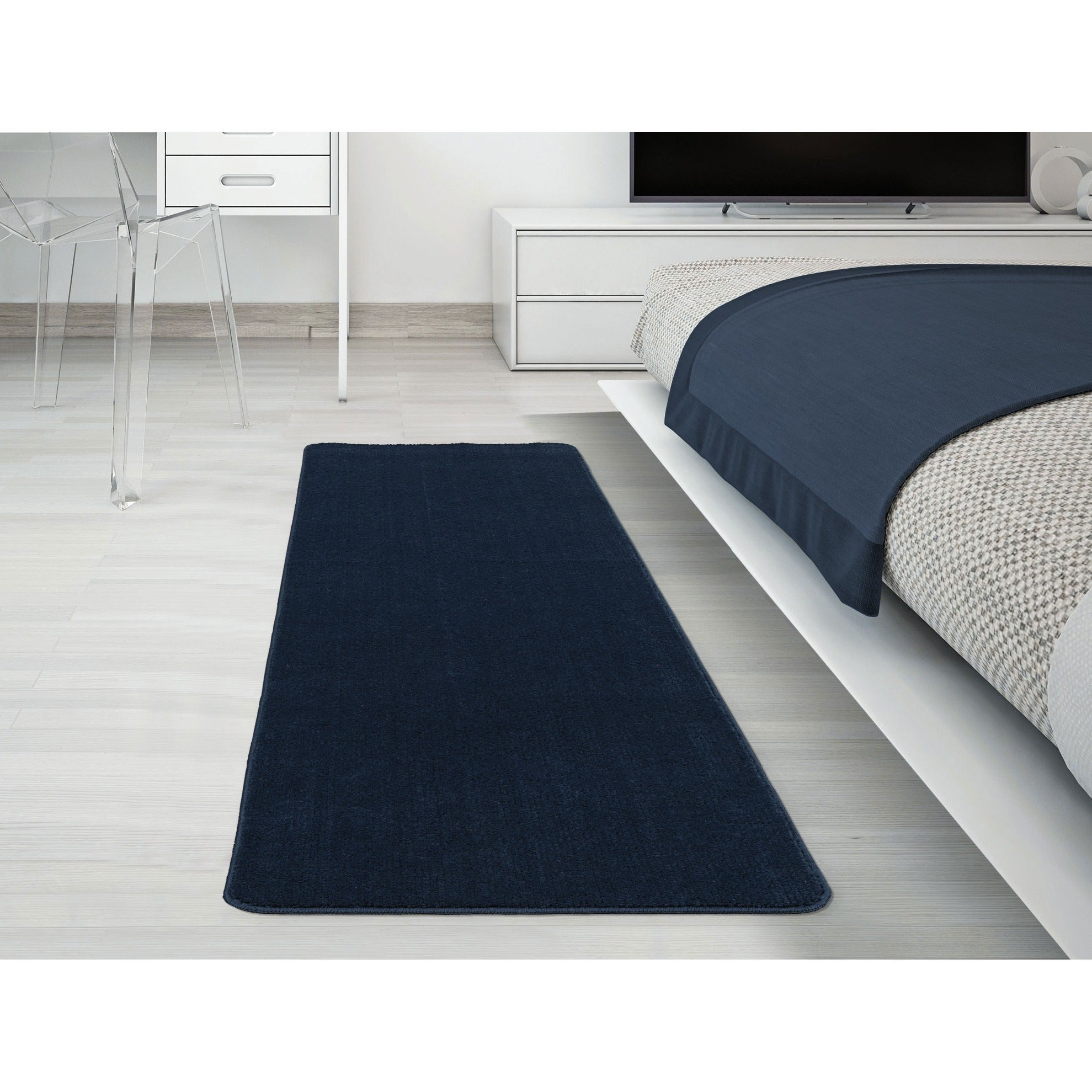 Ottomanson Softy Collection Navy Blue Solid Bathroom Rug ...