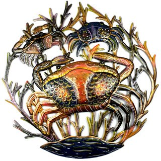 Handmade 24-inch Painted Crabs Metal Wall Art (Haiti)