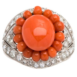 Platinum 3/4ct TDW Diamond and Coral Cabochon Estate Ring (G-H, SI1-SI2)(Size 7.75)