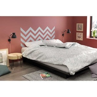 South Shore Step One Queen Platform Bed with Gray Chevron Headboard Ottograff Wall Decal