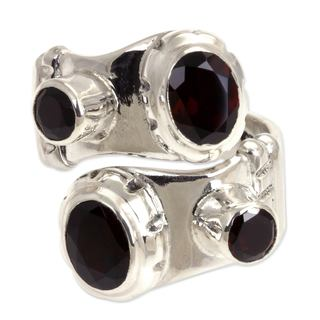 Handcrafted Sterling Silver 'Comet' Garnet Ring (Indonesia)