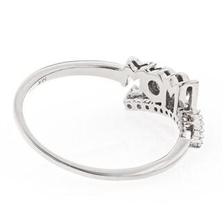 Luxurman 14k Gold 1/6ct TDW Diamond 'Mom' Journey Ring