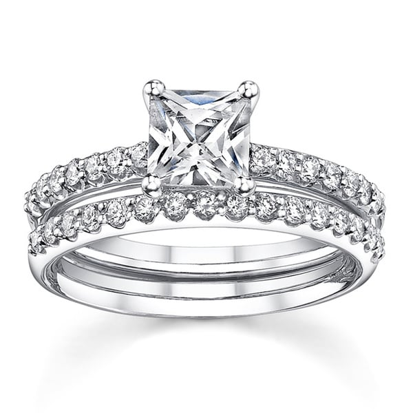 18k White Gold 1 3/5ct TDW Diamond Bridal Ring Set