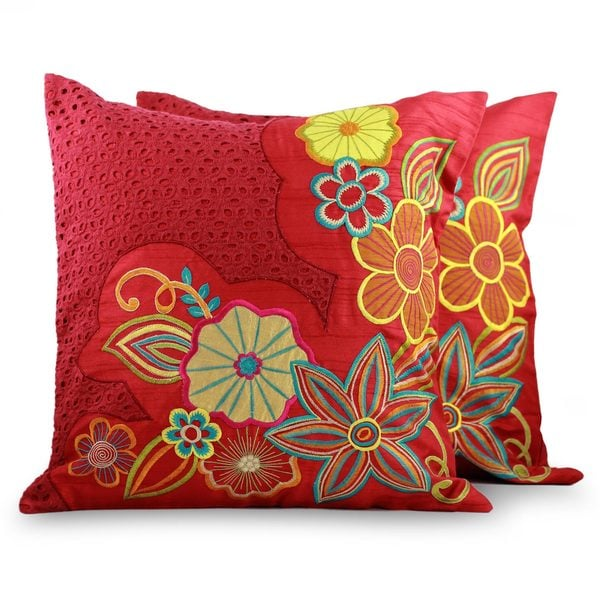 Handmade Set of 2 Applique 'Red Romance' Cushion Covers (India)