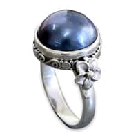 Handmade Sterling Silver 'Blue Moon' Pearl Ring (13 mm) (Indonesia)