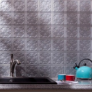 Fasade Traditional Style #10 Argent Silver 18-square Foot Backsplash Kit