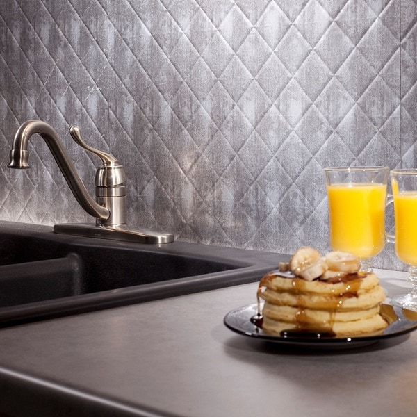 fasade quilted backsplash in crosshatch silver 18 square
