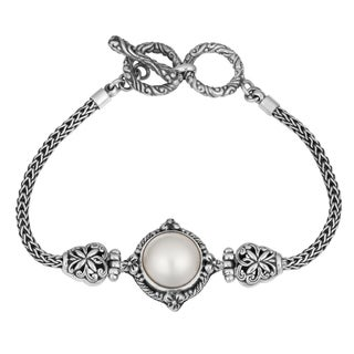 Handmade Sterling Silver, Mabe Pearl Bali Garden Cawi Toggle Bracelet (Indonesia)