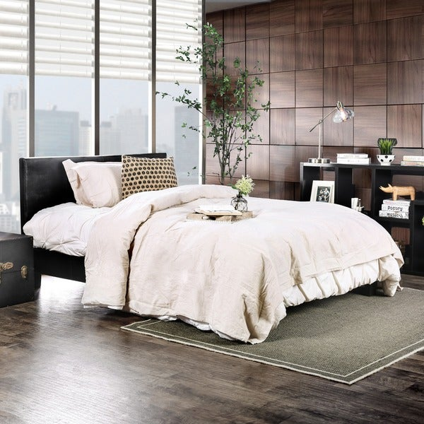 Furniture of America Gols Contemporary Black Faux Leather Platform Bed