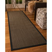 "Handcrafted Chateau Sisal 2'6"" x 8' Rug - Black - 2'6 x 8'"
