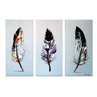 Design Art 'Feathers' 36 x 28-inch 3-panel Bird Canvas Art Print