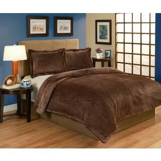 Lodge Brown Velvet Plush 3-piece Comforter Set (Option: Queen)|https://ak1.ostkcdn.com/images/products/10328854/P17439204.jpg?impolicy=medium