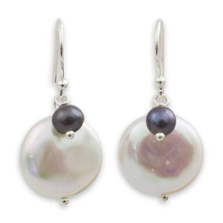 Handmade Sterling Silver 'Pearly Moons' Pearl Earrings (14 mm) (Thailand)
