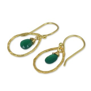 Handmade Gold Overlay 'Green Minimalism' Onyx Earrings (Thailand)