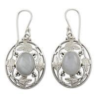 Handmade Sterling Silver 'Moonlit Avatar' Moonstone Earrings (India)
