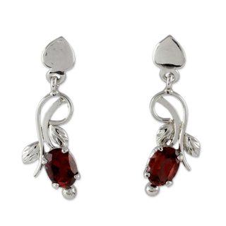 Handmade Sterling Silver 'Temptation' Garnet Earrings (India)