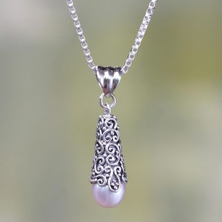 Handmade Silver 'White Arabesque Dewdrop' Pearl Necklace (8mm) (Indonesia)