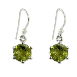 Handmade Sterling Silver 'Lime Solitaire' Peridot Earrings (India)