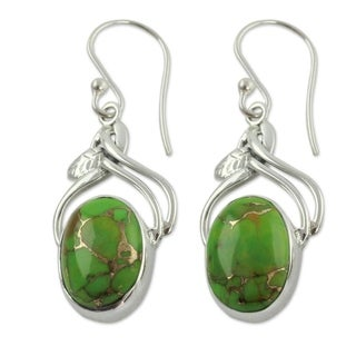 Handcrafted Sterling Silver 'Green Dew' Turquoise Earrings (India)