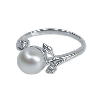 Budding Beauty Round Cultured Freshwater White Pearl with Cubic Zirconium 925 Sterling Silver Womens Cocktail Ring (Thailand)