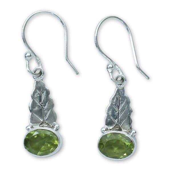 108dd76df Handmade Sterling Silver 'Green Leaves' Peridot Earrings (India