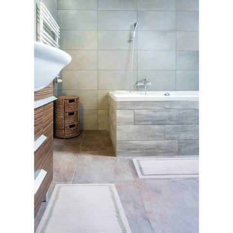 kathy ireland Plush Solutions Border 2-Piece Bath Rug by Nourison (1'9 x 2'10) - 1'9 x 2'10